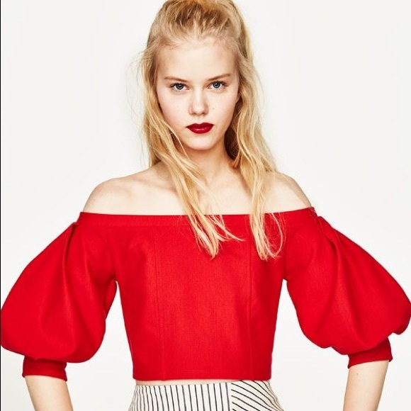 fabfa6f0678eb NWT Zara off the shoulder crop top